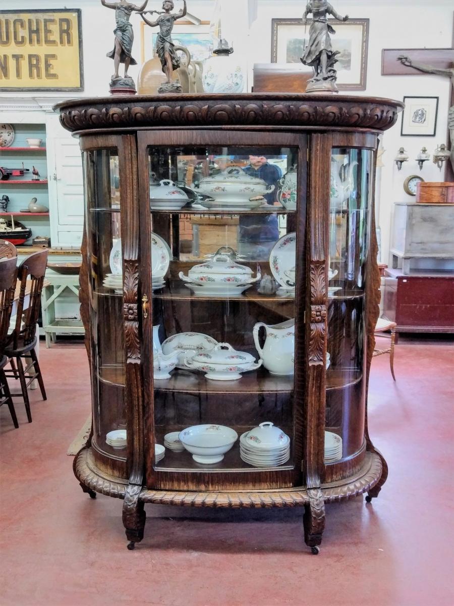 Oak china cabinet 1