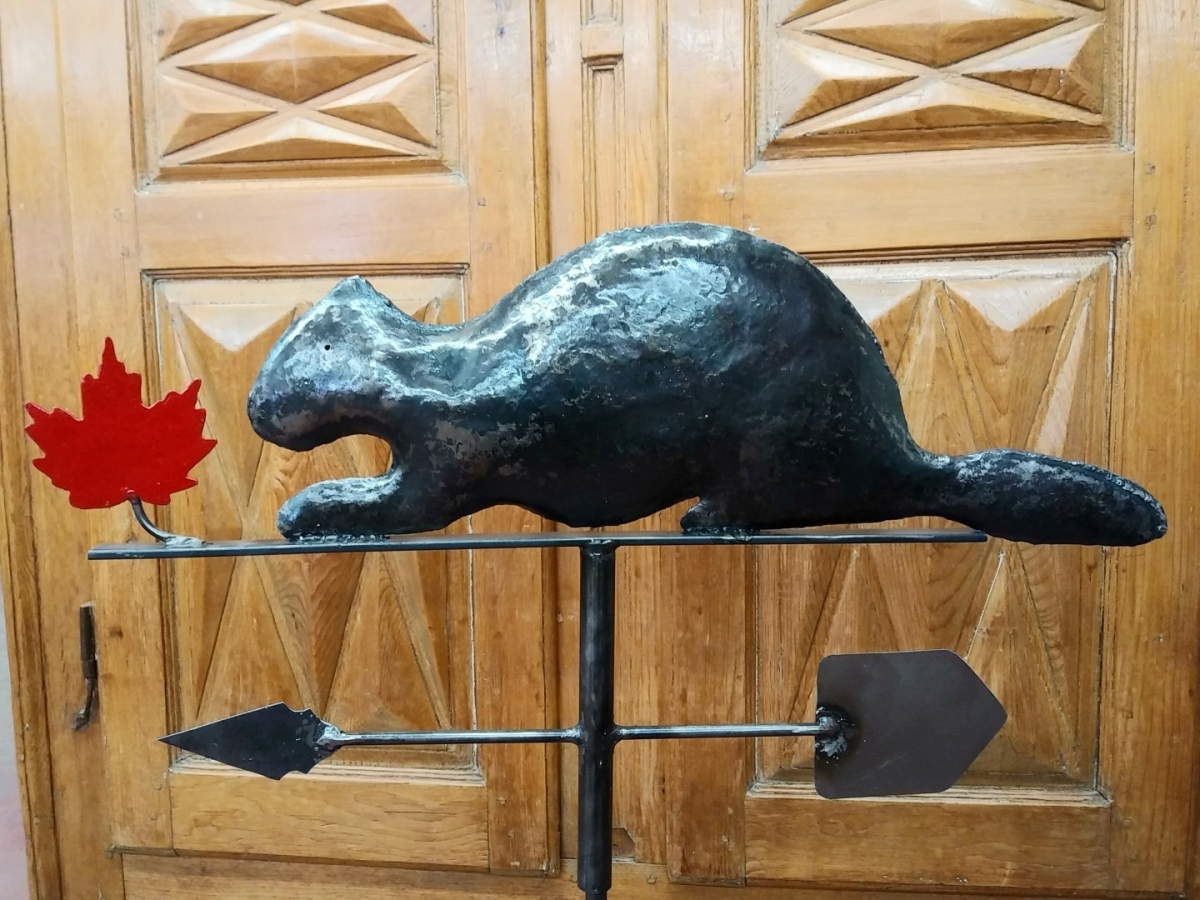 Beaver weathervane (reproduction) 5