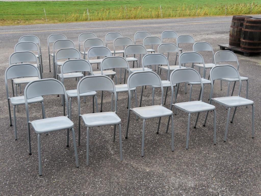 Lot de chaises en métal 3