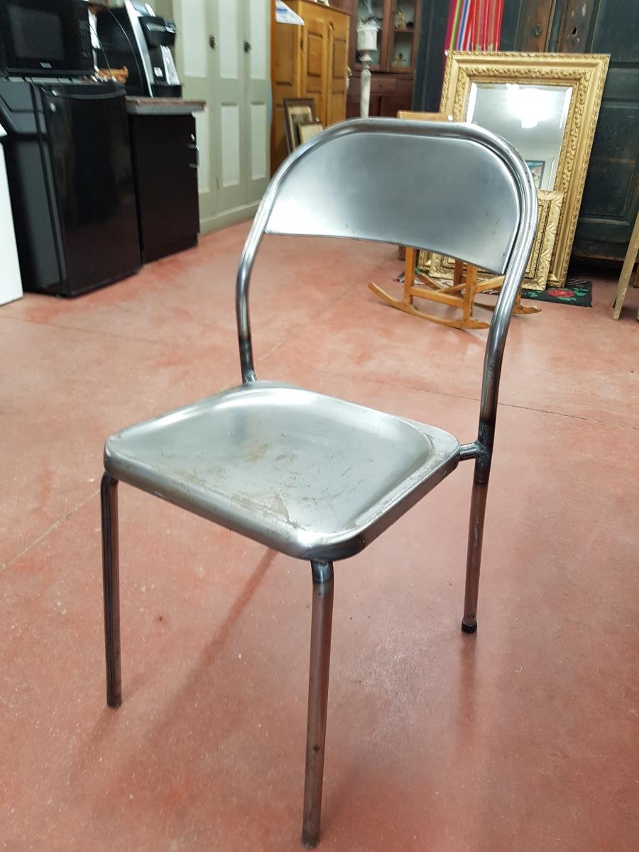 Lot de chaises en métal 4