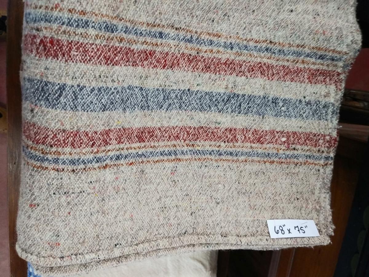 Lot de couvertures en laine 3