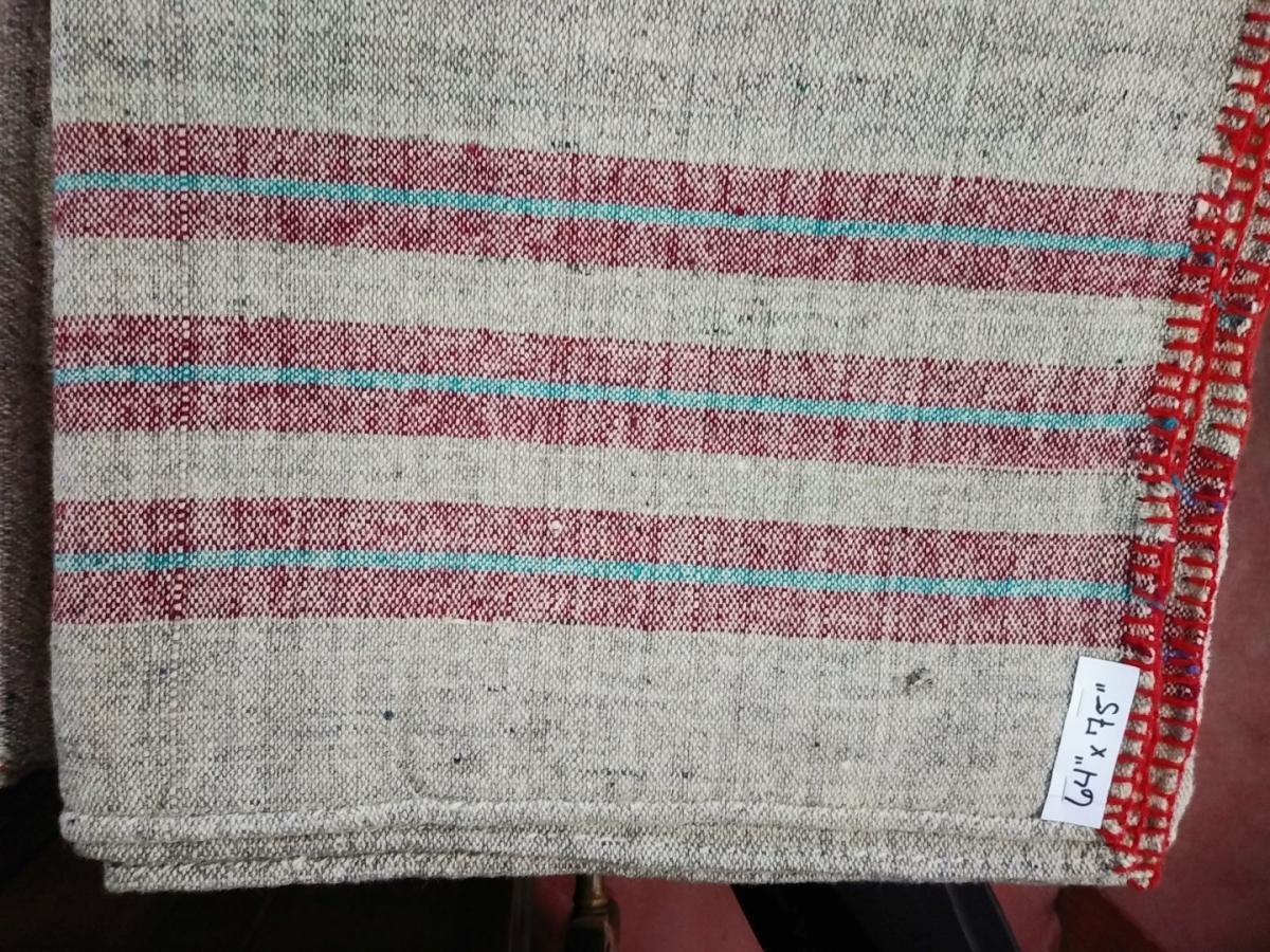 Lot de couvertures en laine 4