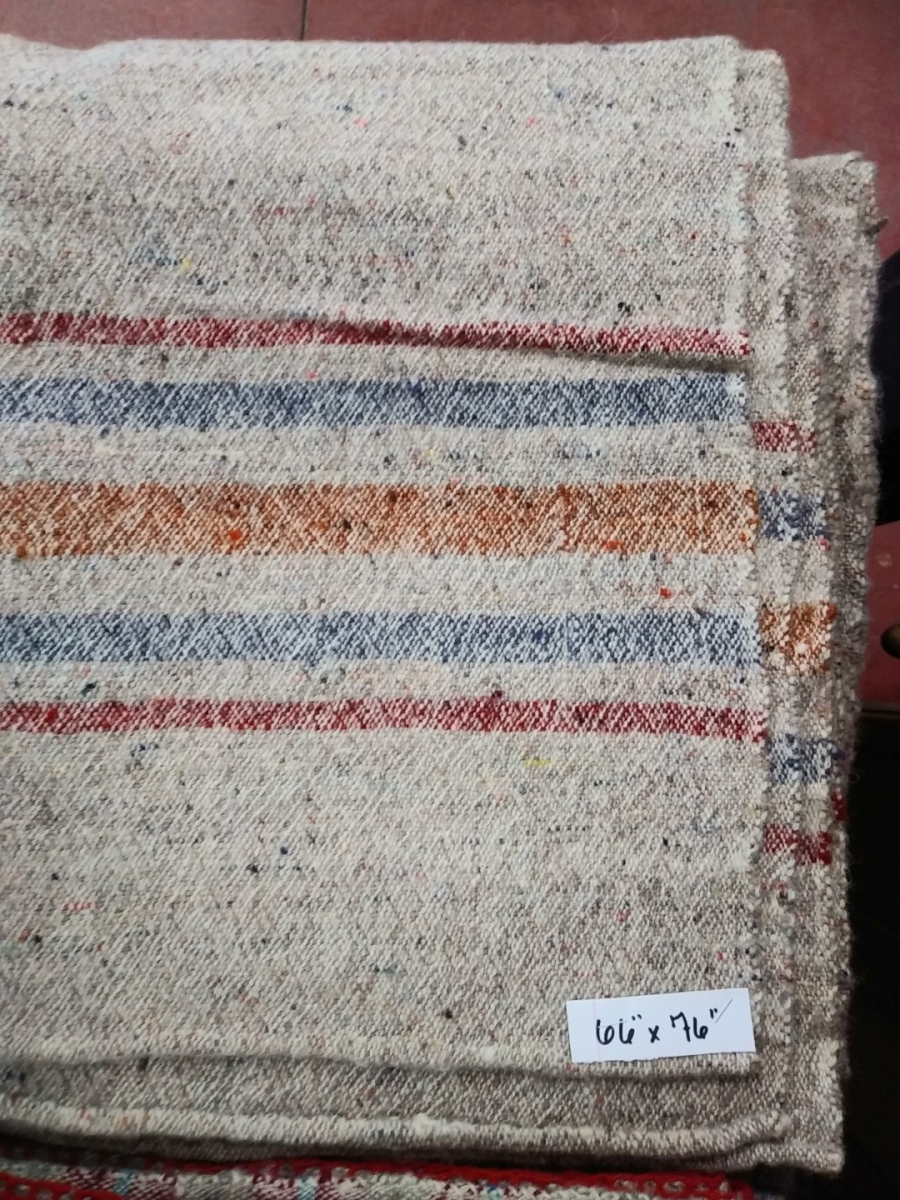 Lot de couvertures en laine 5