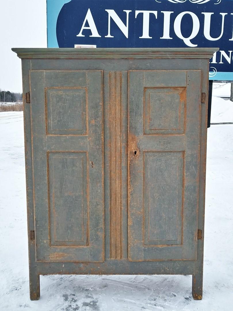 Little Quebec armoire, original color  11