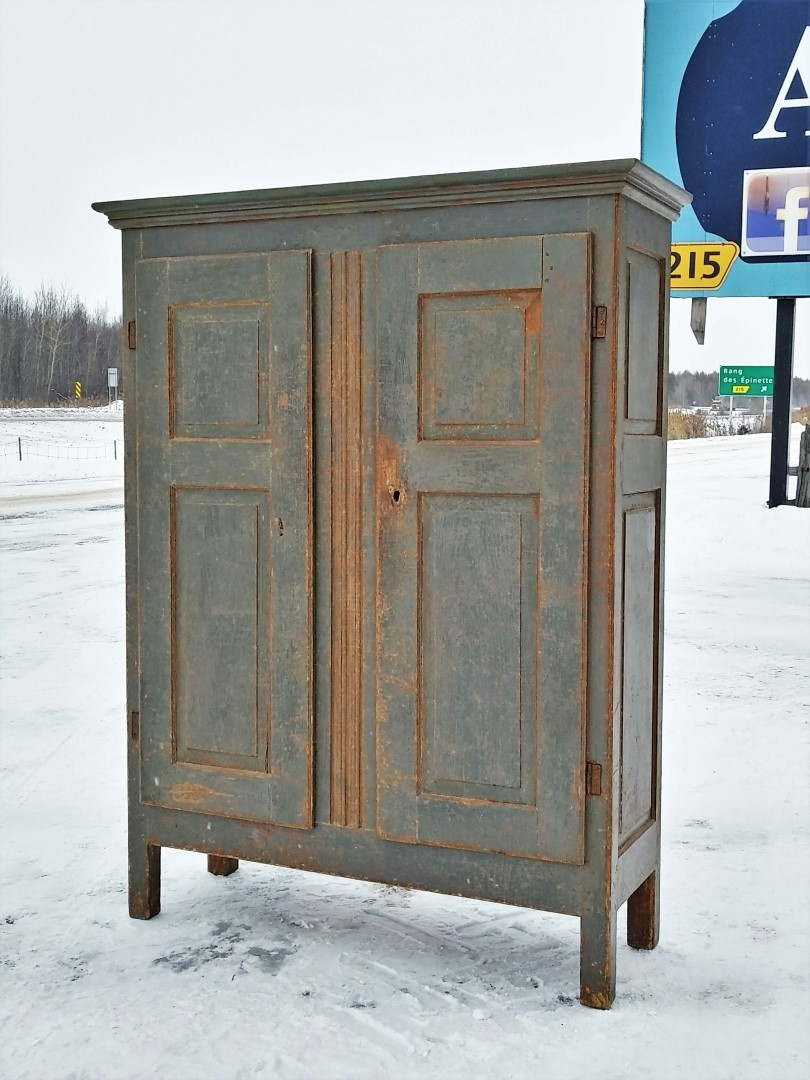 Little Quebec armoire, original color  3