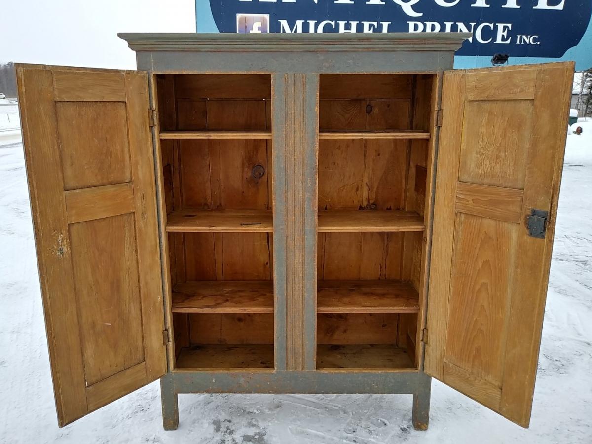 Little Quebec armoire, original color  4