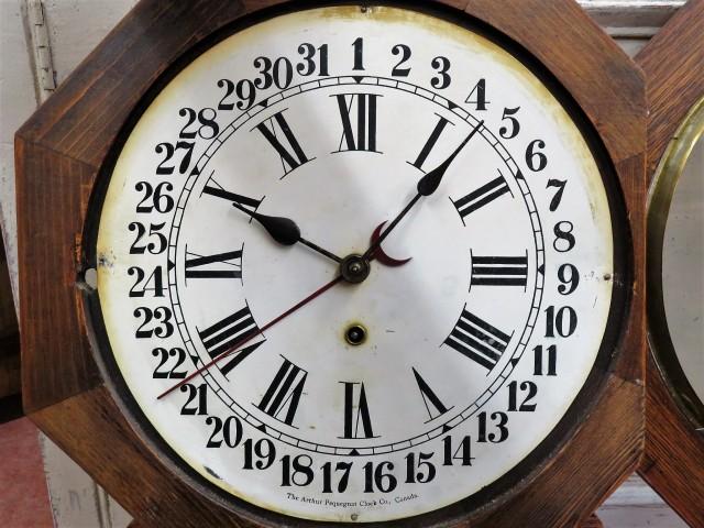 Horloge Arthur Pequegnat 3
