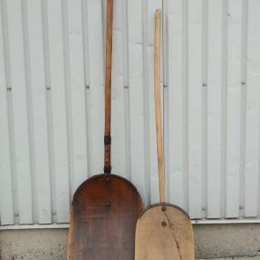 #37964 - 35$ ch. Pelles en bois