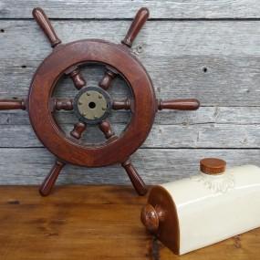 #37948 -  Petit gouvernail, roue de bateau et bouillotte en grès