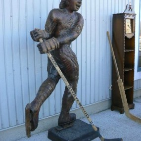 Ancienne sculpture de Guy Lafleur