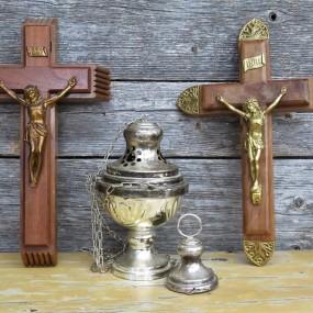 #31282 - 25$ ch. et 75$ Crucifix et (encensoir vendu)
