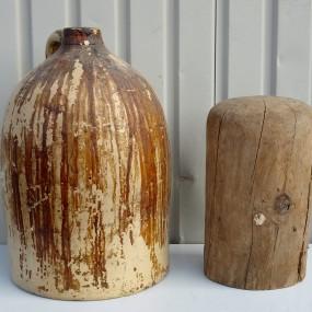 #41595 - 45$ et 20$ Cruche et moule, forme à chapeau