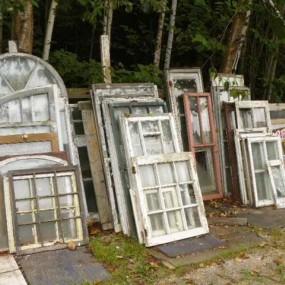 Plusieurs fenêtres, châssis en stock