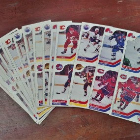 #38085 - 15$ Lot de cartes de hockey, Vachon