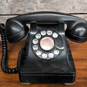 #37708 - 45$ Téléphone en bakelite