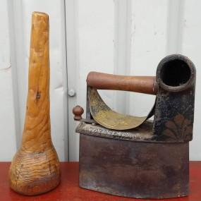 #37743 -  Pilon en bois et fer à repasser