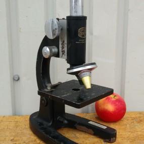 #38220 - 55$ Microscope
