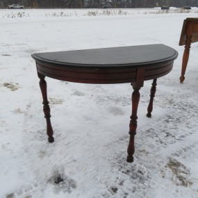 #25135 - 50$ Table demi-lune