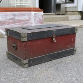 Ancien coffre d'outils