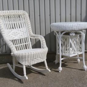 #26970 -  Chaise berçante, berceuse et table en rotin