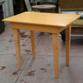 #25390 - 90$ Petite table primitive