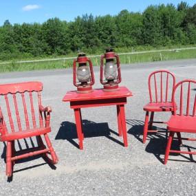 #27120 -  Chaises et table pour enfant, fanaux, lanternes, fanal;