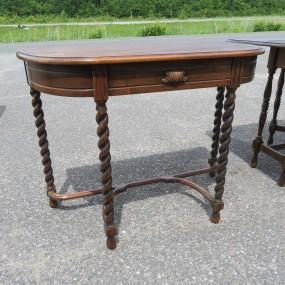 #27262 -  Superbe table avec poteaux tournés style jacobin