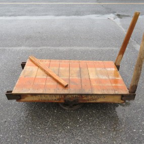 #27304 - 345$ Chariot industriel