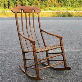 #23748 - 165$ chaise berçante, berceuse de Beaumont