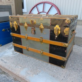 #27358 - 95$ Ancienne malle, coffre valise
