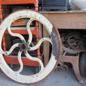 #23714 - 125$ roue en fonte, 32 pouces de diamètre