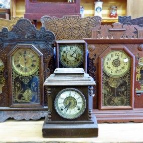 Lot of antique clock in store
