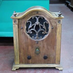 Ancien radio Sparton