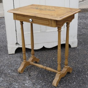 #21490 - 95$ Little table