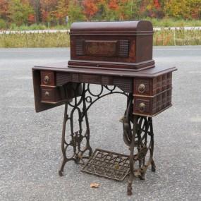 #24134 - 125$ sewing machine