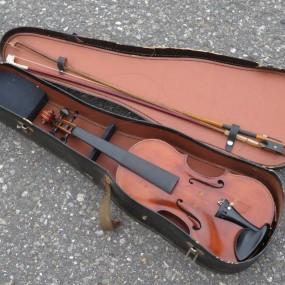 #24143 - 245$ violin