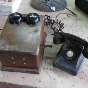 #24351 - 95$ Téléphone avec boîte murale en bois