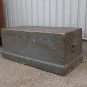 Square nails box