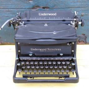 #24740 -  Machine à écrire, dactylo