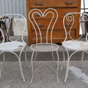 #26364 - 25$ ch. Petites chaises