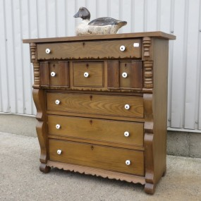Little chest of drawers