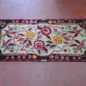 #22400 - 275$ magnifique tapis crocheté