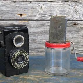 #26477 - 25$  et 15$  Appareil photo et moulin culinaire