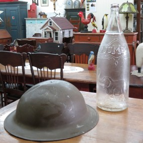 #22402 -  Army helmet and jumbo bottle