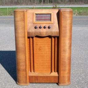 #26513 - 115$ Meuble radio