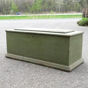 #26569 - 90$ Ancien coffre en pin