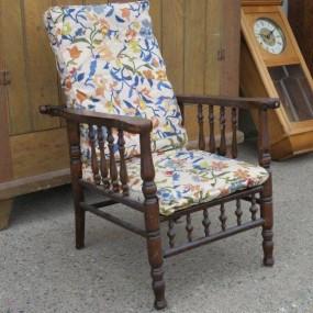 #26591 - 125$ Petit fauteuil miniature pour enfant, chaise