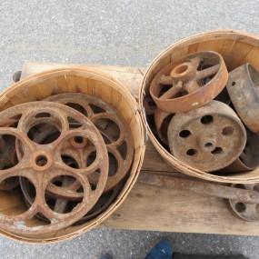 #26556 - 30$ à 45$ ch. Lot de roues en fonte