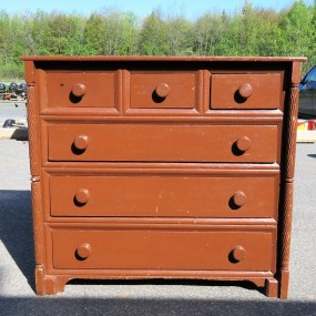 Canadian chest of drawers, square nails commode