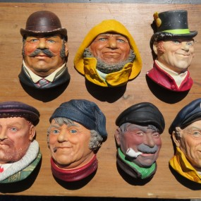 #26836 - 15$ ch. Figurines, têtes Bossom